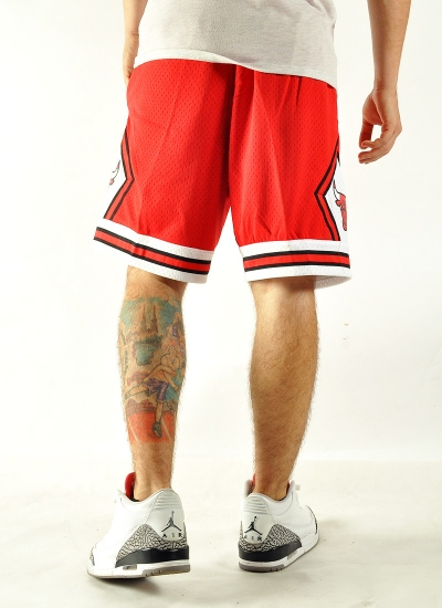 Mitchell & Ness  Swingman Shorts Bulls Red