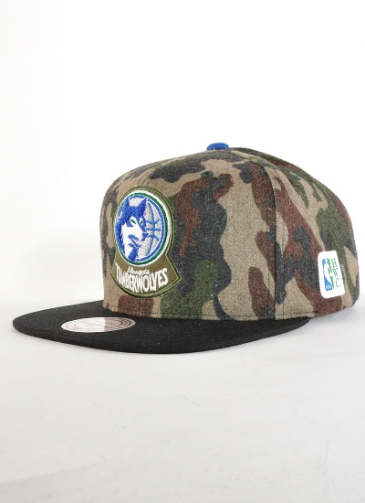 Mitchell & Ness  Flannel Snapback Timberwolves
