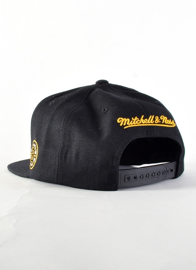 Mitchell & Ness  Gothic Snapback Boston
