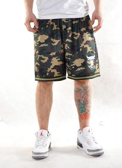 Mitchell & Ness  Camo Mesh Shorts Bulls